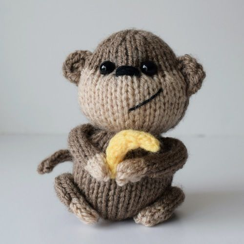 Makerist - Micky the Monkey - Knitting Showcase - 1