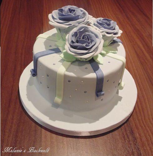 Makerist - Kleine Rosen Torte - Torten, Cake Pops und Cupcakes - 1