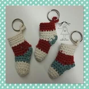 Makerist - Nikolaus-/Weihnachts-Socken-Schlüsselanhänger - 1