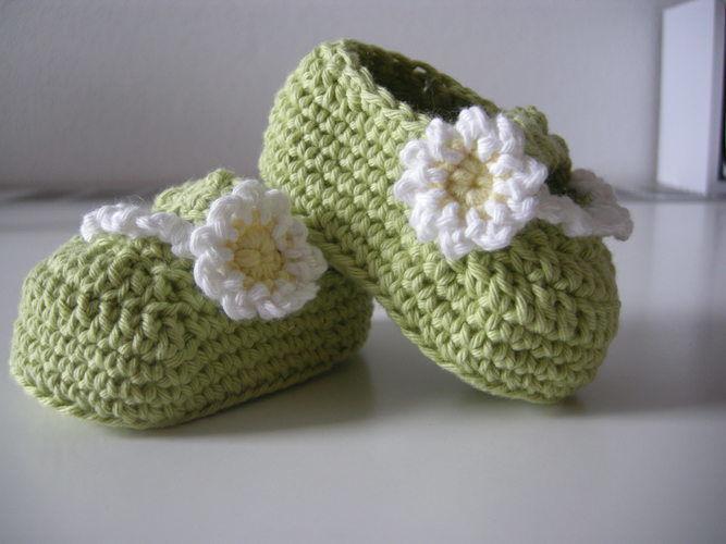 Makerist - Babyschuhe für den Frühling - Häkelprojekte - 1