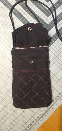 Makerist - Handytasche mit vielen Steckfächer aus einer Softshelljacke erstellt. - Nähprojekte - 1