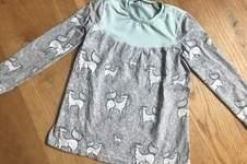 Makerist - Shirt Yati natürlich aus Pferdestoff für meine Kleine - 1