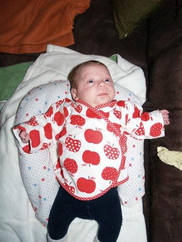Makerist - Wickelshirt fürs Baby - Nähprojekte - 1