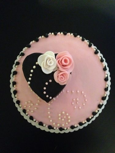 Makerist - Mama's Geburtstagstorte - Torten, Cake Pops und Cupcakes - 1
