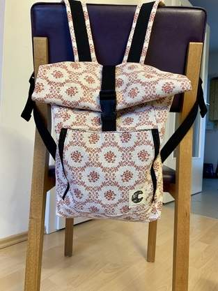 Rucksack aus altem Vorhang