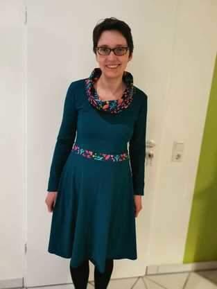 Makerist - Ella Schalkragen-Kleid mit wietem Rock - 1