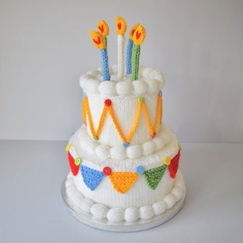 Makerist - Birthday Cake - Knitting Showcase - 1