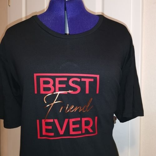 Makerist - T-shirt mit Plott aufgepeppt - DIY-Projekte - 1