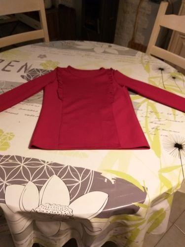 Makerist - Tee shirt Sarah.tencel rouge.pour ma petite fille en 12ans - Créations de couture - 1
