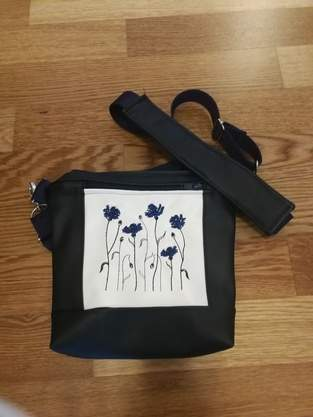 Makerist - Laila-Bag mit Kornblumen - 1