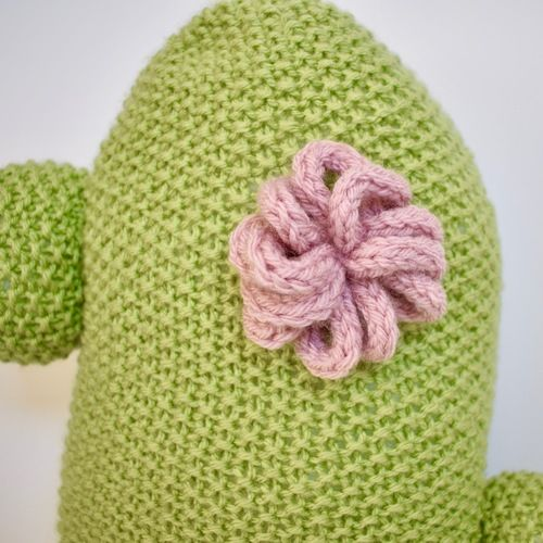 Makerist - Cactus Cushion and Pen Pot - Knitting Showcase - 3