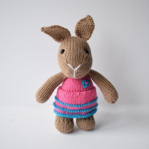 Makerist - Flora Bunny - Knitting Showcase - 1
