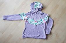 Makerist - Hoodie mit Blumenmuster von Mommy Melian - 1