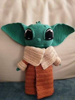 Makerist - BABY YODA by CROCHETPATTERNWORLD - 1