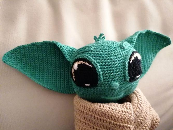 Makerist - BABY YODA by CROCHETPATTERNWORLD - Crochet Showcase - 3