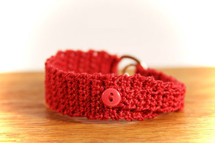 Makerist - Armband rot mit silbernem Strassring - Häkelprojekte - 2