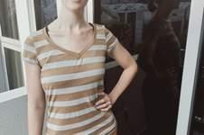 Makerist - T-Shirt mit V-Ausschnitt - 1