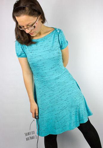 "Makerist - Blaues Kleidchen ""Ella"" - Nähprojekte - 1"