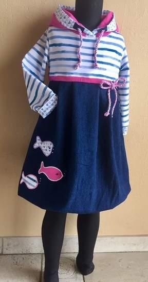 Urlaubs-Feeling - Mix aus Jeans und Singlejersey mit Fischapplikationen und selbst geknüften Kordeln für meine große Enkelin