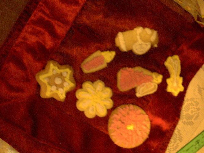 Makerist - bunter Teller für die Kollegen - Torten, Cake Pops und Cupcakes - 1
