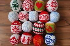 Makerist - Weihnachtskugeln aus Wolle - 1