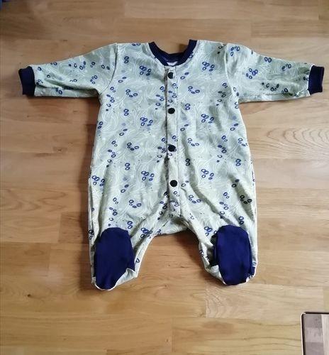 """Makerist - Einteiler """"Heinrich"""" Baby Jumpsuit mit Füsschen - Nähprojekte - 1"""