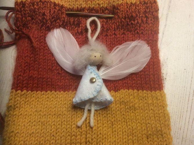 Makerist - Engel zum Anhängen aus Filz, Jahresengel - DIY-Projekte - 1