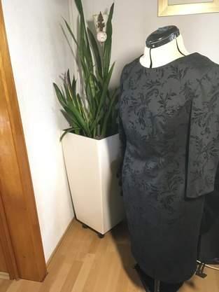 Makerist - Schwarze Kleid mit Samt - 1