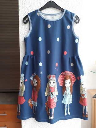 Kleid mit seitlicher Raffung Gr. 134