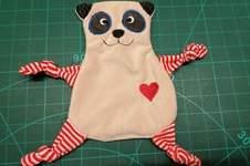 Makerist - Panda Kuscheltuch ITH - 1