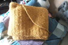 Makerist - Cozy Gemütliche Decke fürs Sofa mit Kapuze und praktischer Aufbewahrung - 1