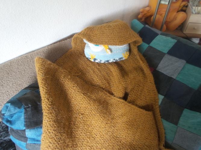 Makerist - Cozy Gemütliche Decke fürs Sofa mit Kapuze und praktischer Aufbewahrung - Häkelprojekte - 3