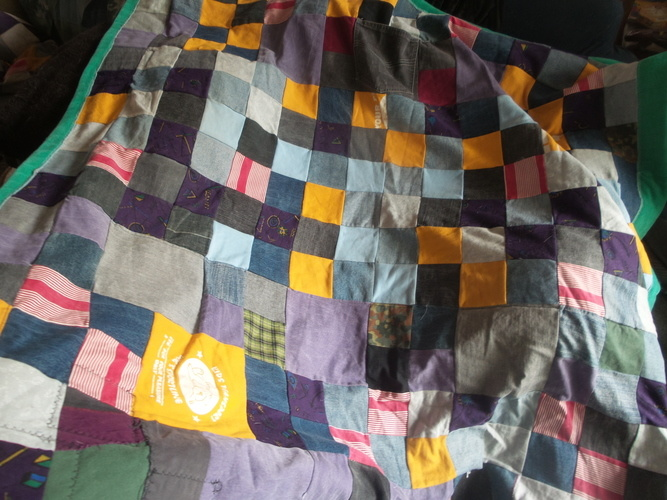 Makerist - Witches Blanket - Upcycle-Patch-Decke, Sofaauflage   - Patchwork-Projekte - 1