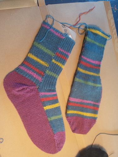 Makerist - Colorful socks - Strickintermezzo  - Strickprojekte - 1