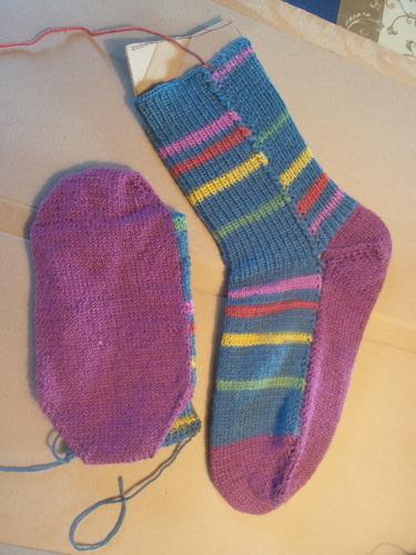 Makerist - Colorful socks - Strickintermezzo  - Strickprojekte - 2