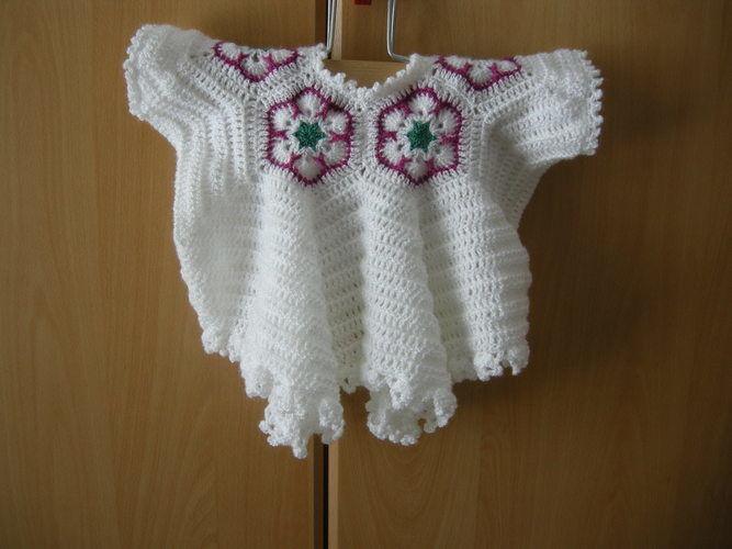Makerist - African Flower Babyjäckchen - Häkelprojekte - 1