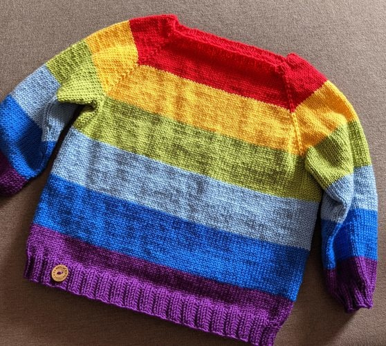 Makerist - CAMERON Regenbogen Pullover - Strickprojekte - 1