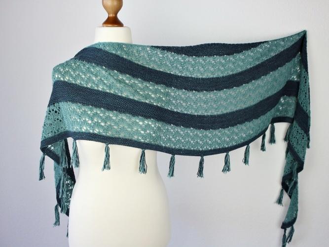 Makerist - Mondo Shawl - Knitting Showcase - 2
