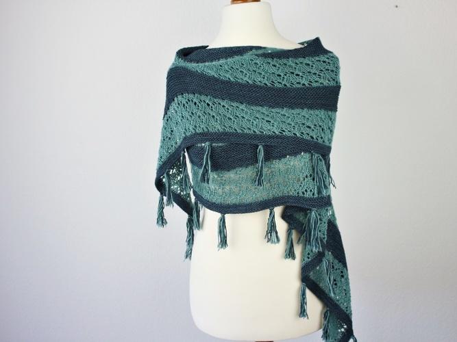 Makerist - Mondo Shawl - Knitting Showcase - 3