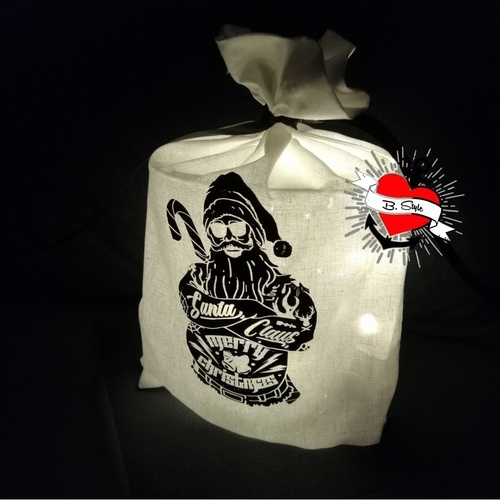 Makerist - Tätowierter Santa auf einem Luchtbeutel - Textilgestaltung - 1