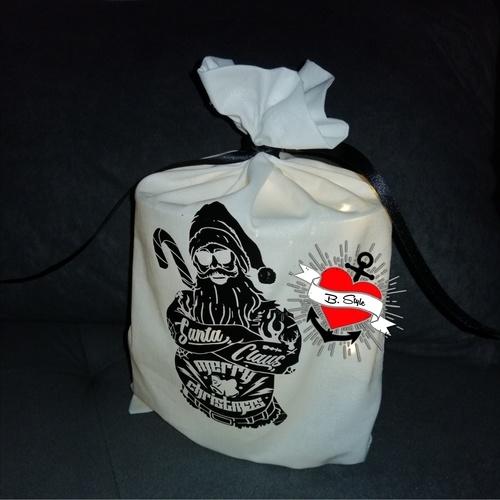 Makerist - Tätowierter Santa auf einem Luchtbeutel - Textilgestaltung - 2