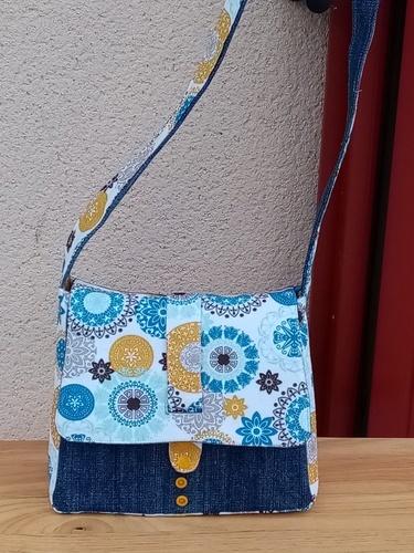 Makerist - sac OHIO fait à partir de jeans trop petits et d'un morceau de coton enduit. - Créations de couture - 1