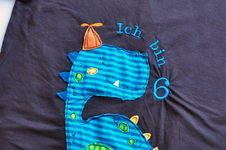 Makerist - 6. Geburtstag Geburtstagsshirt Dinoshirt Shirt-n-short von Muhküfchen Gr. 122 - 1