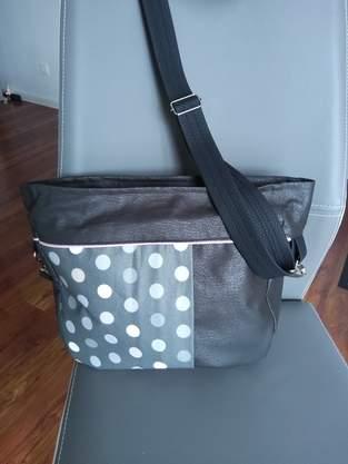 Nalu Quadratische Handtasche