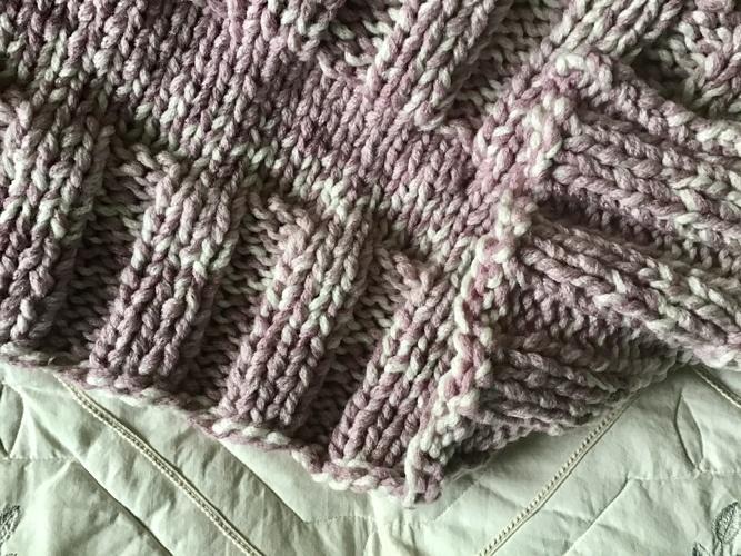 Makerist - The Misty Meadow Throw - Crochet Showcase - 3