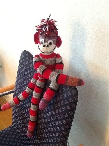 Makerist - Gestrickter Affe, kleine Rucksäcke, gehäkelte Eulen - Strickprojekte - 1
