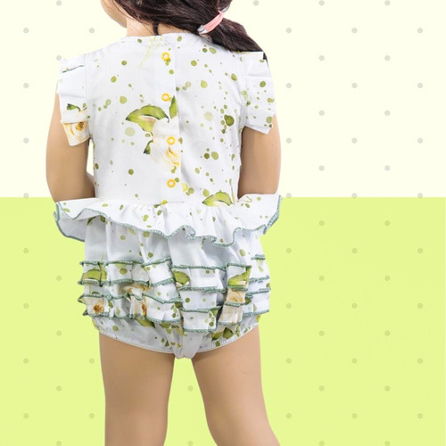 Makerist - Playsuit Annie for babies with jersey or woven fabrics - Sewing Showcase - 2