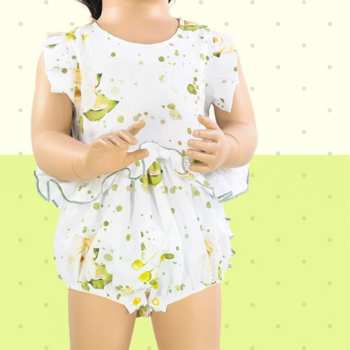 Makerist - Playsuit Annie for babies with jersey or woven fabrics - Sewing Showcase - 3