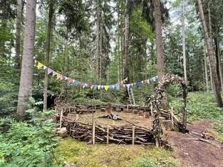 Makerist - Wimpelkette für Waldsofa aus Baumwollstoffen und Kordel - 1