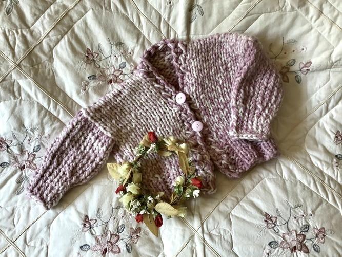 Makerist - Little Miss Monroe Cardigan - Knitting Showcase - 1